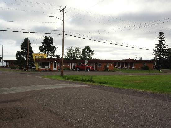 Copper Harbor, MI: Motel and office