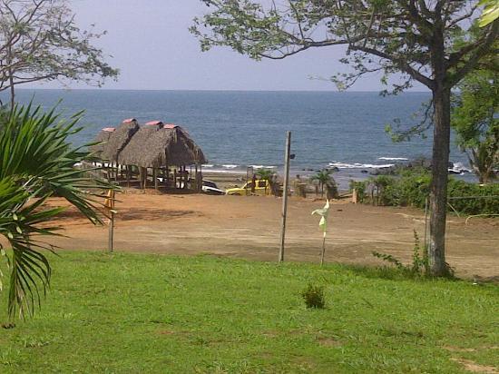 Pedasi Bull Beach Hotel: vista al mar desde el restaurante