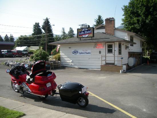 Falls Motel : Motel Office