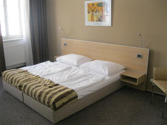 BEST WESTERN Hotel Pav: bed