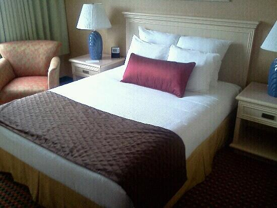 Coast Gateway Hotel: Beds are been updated (still in the process)