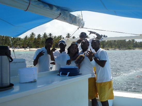 Marinarium Excursions - Sunny Day Sailing Cruise : The Greatest Crew!