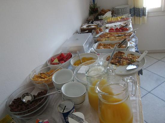 Ilion Hotel: Breakfast Buffet