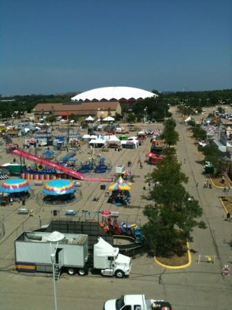 Clarion Suites at the Alliant Energy Center: Dade County Fair view from 7th floor