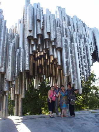 Paulo's Tours: Sibelius Monument