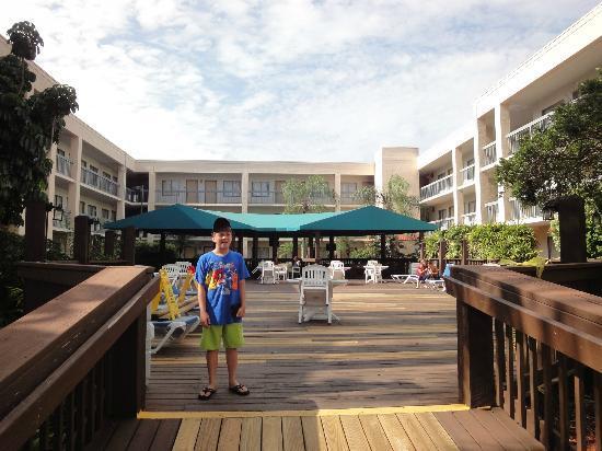 Baymont Inn & Suites Tampa Near Busch Gardens: Terraza