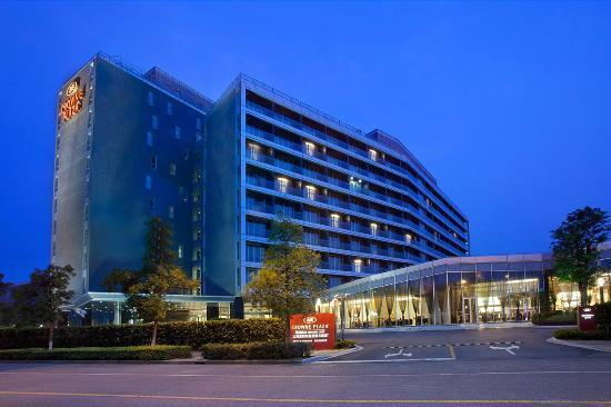Crowne Plaza Shanghai Xiayang Lake Hotel