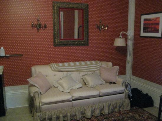 Raymond House Inn: room