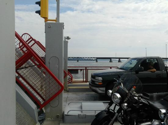 Merrimac Ferry: Rear, 50% of the time