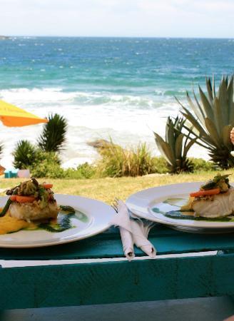 Rocka Beach Lounge & Restaurant: Apresentação dos pratos - Rocka Beach Lounge