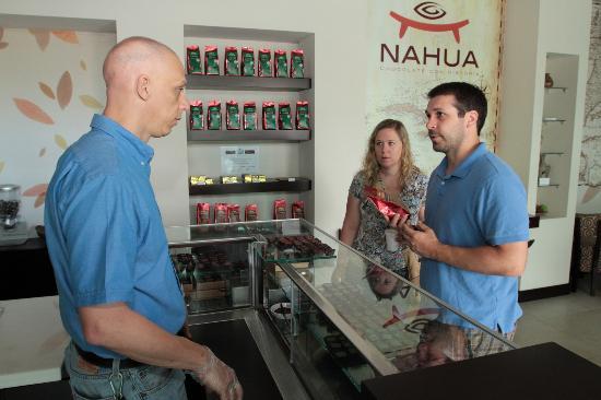 Chocolate Nahua: Atención en la chocolatería