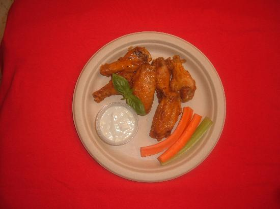 Mike's New York Pizzeria: Wings!