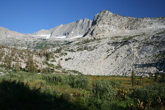 Bearpaw High Sierra Camp: Mt Stewart and Lone Pine Meadow