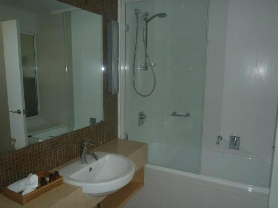 Mantra Boathouse Apartments: Ensuite