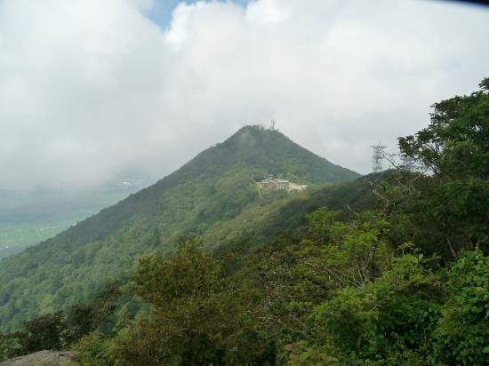 สึกุบะ, ญี่ปุ่น: ここを登ったらもう一つ!筑波山は美しい双耳峰