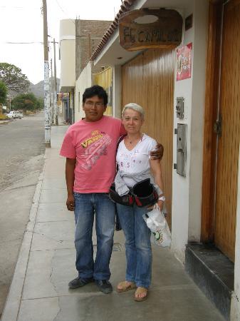 Hostel Camiluz : taxista e guida da Paracas a Nazca