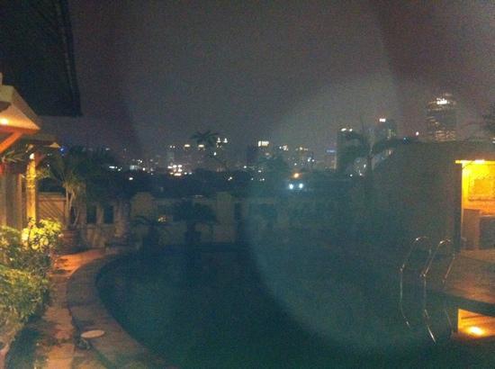 Grand Cemara Hotel : pool at night
