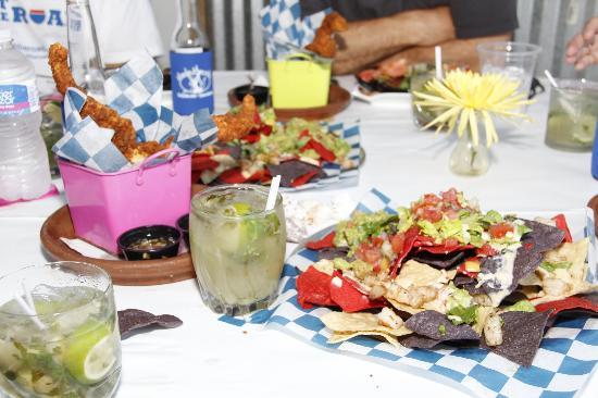 Beachside Colony Resort: lunch aat the onsite restaurant, Marlin Monroe's