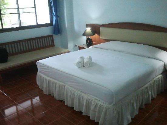 Choeng Mon Beach Hotel and Spa: la chambre A008