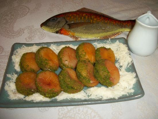 Turkish Flavours: Rehydrated apricots filled with cheese & rolled in pistachios w/Turkish cotton candy trimmings.