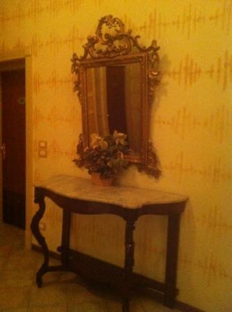 Hotel La Rosetta: corridoio