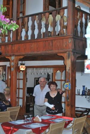 Kerem Restaurant : Owner Yesari and Leyla
