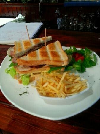 Gastropub Viceversa: club sandwich in Bar-Restaurant Viceversa,the best in Estepona