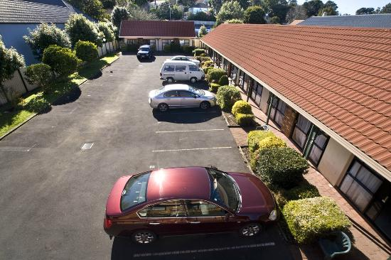 Tudor Court Motor Lodge: Free Parking