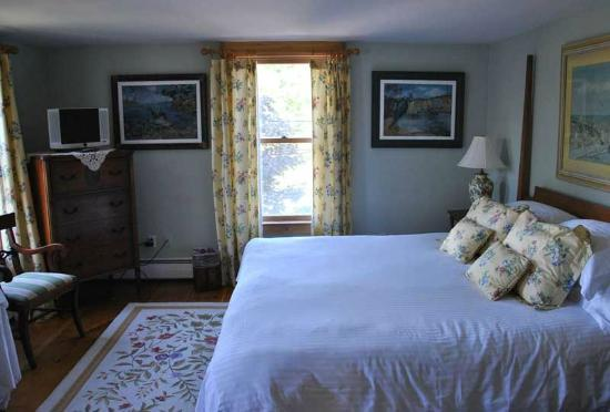 Highland Lake Inn Bed and Breakfast: una delle camere