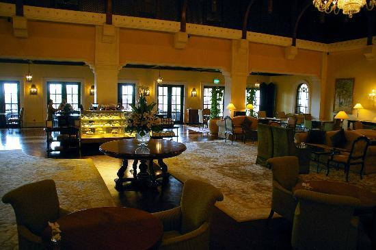 The Ritz-Carlton, Dubai: Lobby Lounge