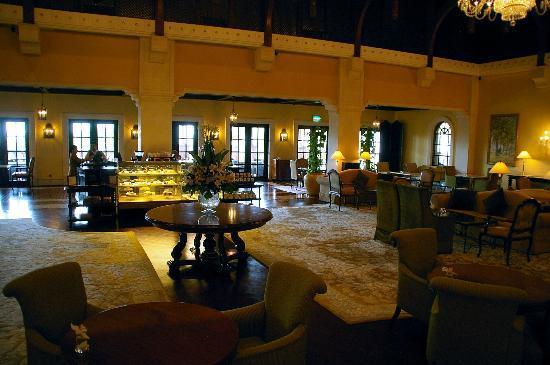 ذا ريتز كارلتون دبي: Lobby Lounge
