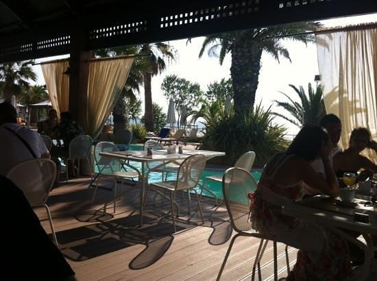 Katerina Resort: breakfast in the restaurant terrace