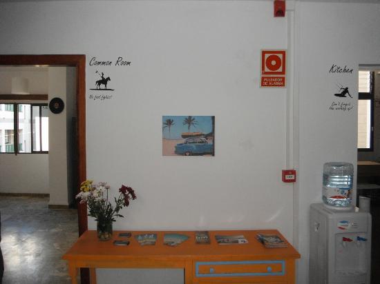 Casa Grande Surf Hostel: Hall