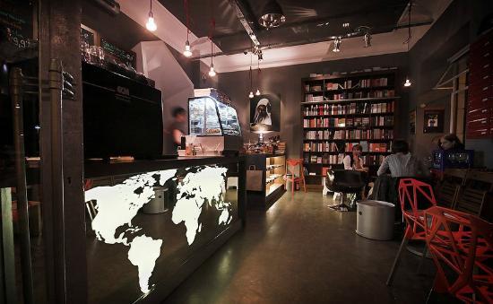 Wrzenie Świata, books & coffee