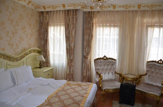 White House Hotel Istanbul : Triple room