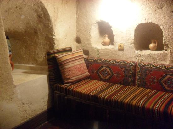 Cappa Villa Cave Hotel: our living room