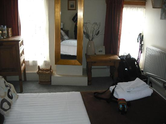 Victory Inn: double room at rear of pub