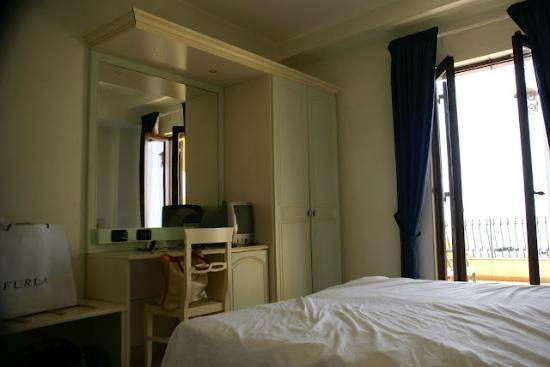 Hotel Kalos: Room