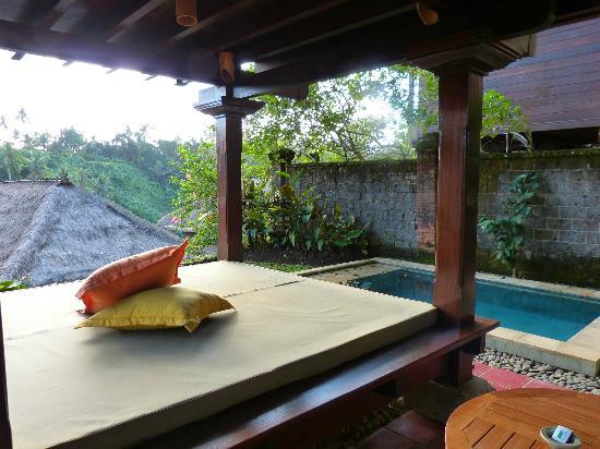 Natura Resort and Spa : Terrasse avec bale et petites piscine