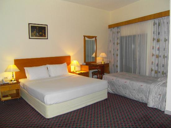 Lavender Hotel Dubai: Triple bedroom