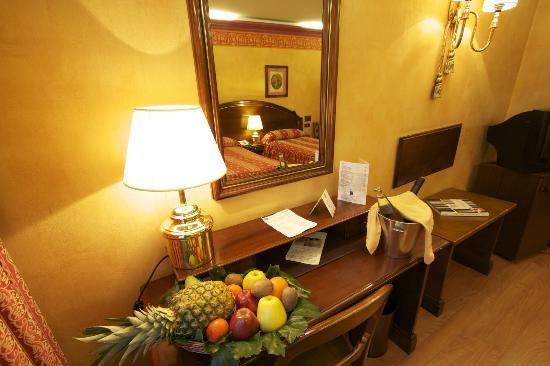Hotel M.A. Princesa Ana: Detalle habitacion