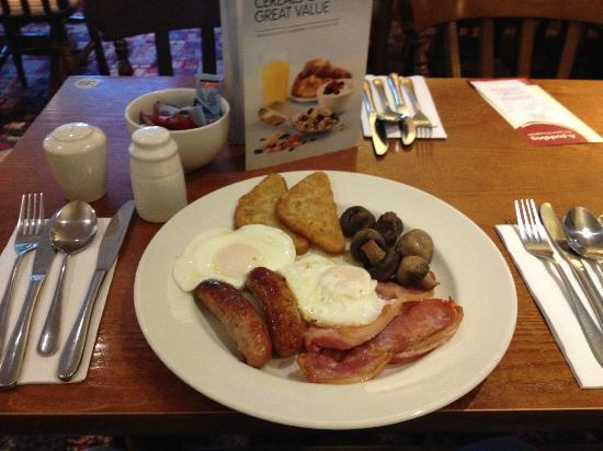 Premier Inn Bromsgrove Central Hotel: The excellent breakfast