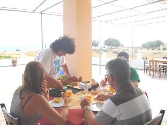 Girogiali: Terrase de l'hôtel