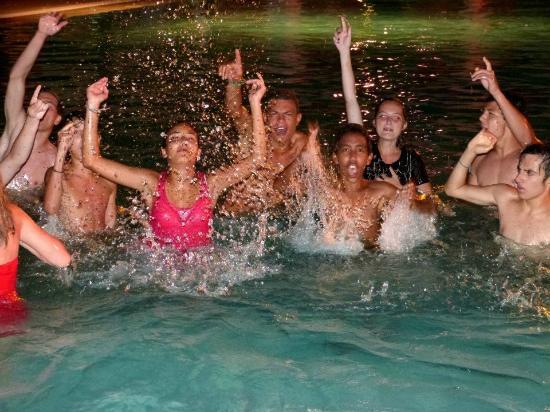 Club Med Agadir: Soirée dans la piscine !