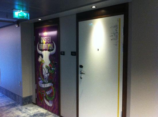 Scandic Vulkan: Designer room doors