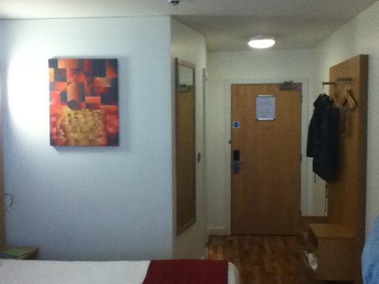 Ramada Encore Belfast City Centre: Room