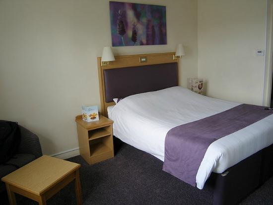 Premier Inn Dudley (Kingswinford) Hotel: Nice firm comfy bed