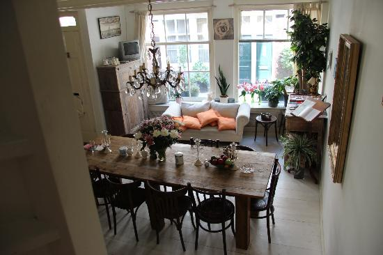 Entrance and dining room picture of amsterdam at home for Dining room with sitting area ideas