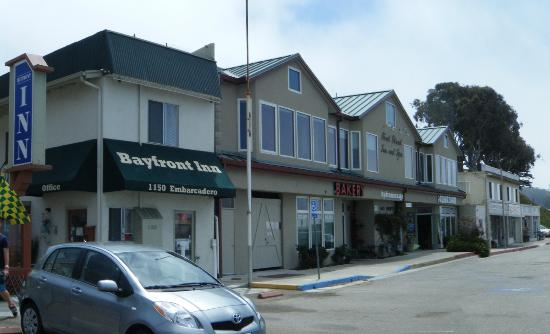 Bayfront Inn: Bakery next door