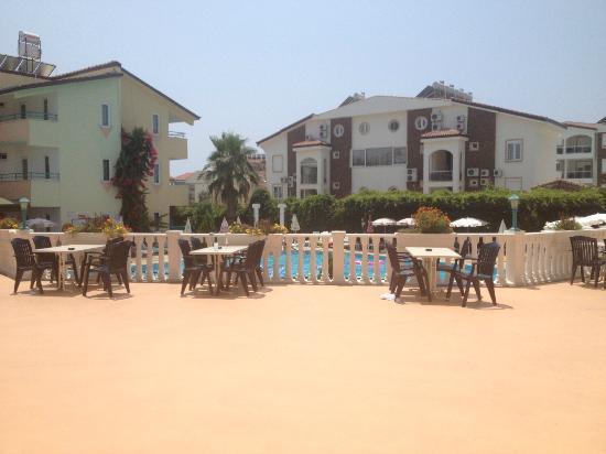 Park Side Hotel: pool balcony